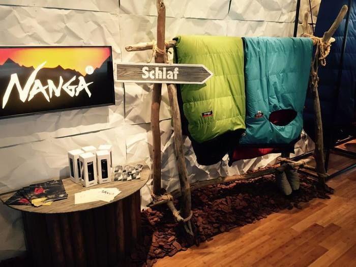 【キャンプ・登山おすすめ寝袋】オールシーズン使用できるおすすめ寝袋【ナンガ オーロラライト450DX】